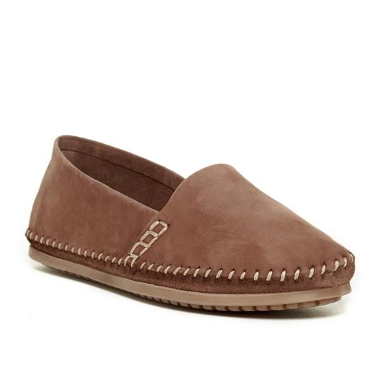 Preload https://item4.tradesy.com/images/adam-tucker-brown-sangria-leather-flats-size-us-75-regular-m-b-21545723-0-0.jpg?width=440&height=440