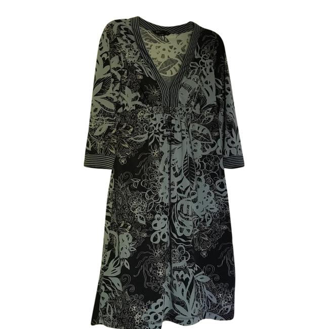 Preload https://item2.tradesy.com/images/bcbgmaxazria-blue-black-mid-length-short-casual-dress-size-4-s-21545981-0-1.jpg?width=400&height=650