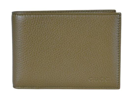 Preload https://item4.tradesy.com/images/gucci-oiive-men-s-moon-leather-bifold-classic-green-260987-wallet-21546003-0-1.jpg?width=440&height=440