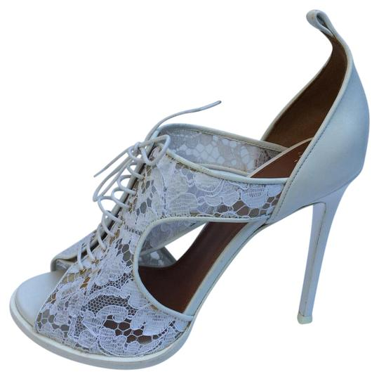 Preload https://item3.tradesy.com/images/givenchy-white-new-lace-peep-toe-pumps-sandals-size-us-85-regular-m-b-21546412-0-1.jpg?width=440&height=440