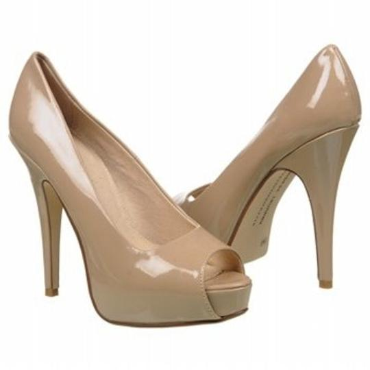 Chinese Laundry Leaher Manmade Sole 4 3/4 Heel Taupe/ Nude Pumps