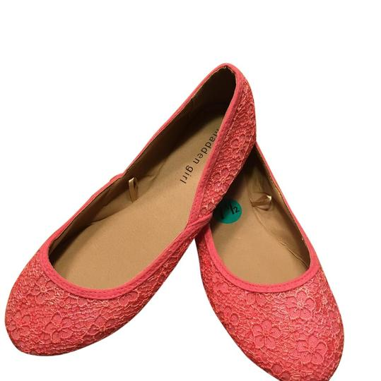 Preload https://item2.tradesy.com/images/madden-girl-pinkcoral-floral-lace-ballet-flats-size-us-75-regular-m-b-21546621-0-1.jpg?width=440&height=440