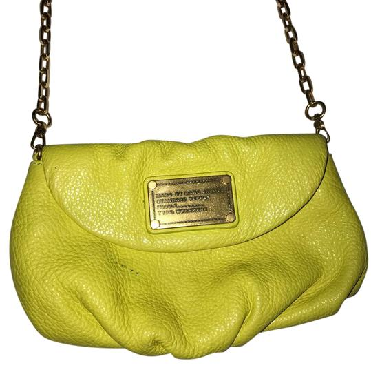 Preload https://item2.tradesy.com/images/marc-jacobs-over-purse-neon-cross-body-bag-21546826-0-1.jpg?width=440&height=440