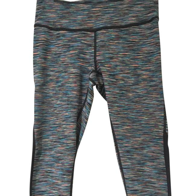 Preload https://item3.tradesy.com/images/zella-mid-rise-leggings-activewear-capriscrops-size-6-s-21546882-0-1.jpg?width=400&height=650