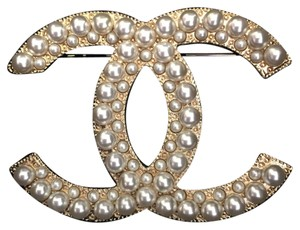 Chanel Xl Large Double White Pearls Gold Metal Cc Logo Brooch Pin Classic