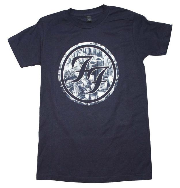 Preload https://item1.tradesy.com/images/navy-blue-city-circle-logo-tee-shirt-size-14-l-21546935-0-0.jpg?width=400&height=650