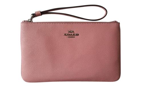 Preload https://item3.tradesy.com/images/coach-pink-new-crossgrain-leather-large-phone-wristlet-clutch-wallet-21546992-0-1.jpg?width=440&height=440