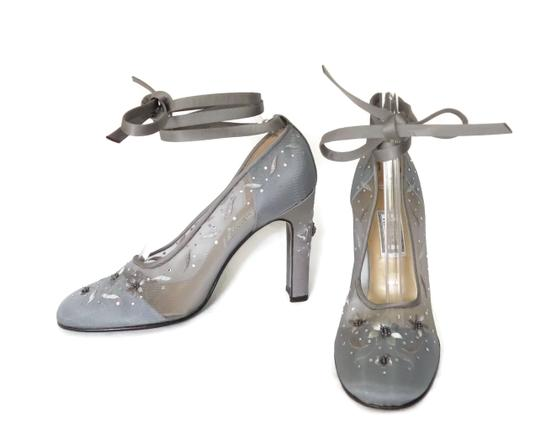 Preload https://item1.tradesy.com/images/versace-silver-embellished-chunky-pumps-size-eu-40-approx-us-10-regular-m-b-21547315-0-1.jpg?width=440&height=440
