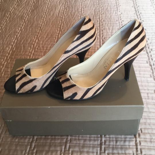 Anne Klein camel and black pony hair Pumps
