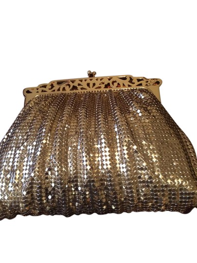 Preload https://item5.tradesy.com/images/whiting-and-davis-and-gold-clutch-21548039-0-1.jpg?width=440&height=440