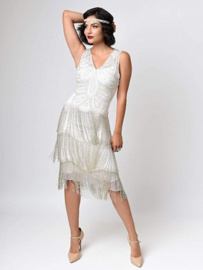 Unique Vintage White Chiffon 1920's Beaded Gigi Fringe Flapper Vintage Wedding Dress Size 10 (M)