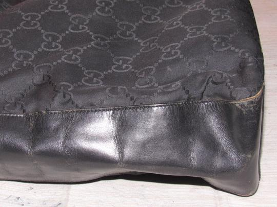 Gucci Chrome Hardware Excellent Vintage Great For Everyday Dressy Or Casual Nice Size Hobo Bag