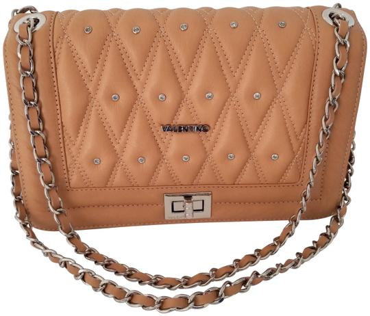 Preload https://img-static.tradesy.com/item/21548834/mario-valentino-quilted-chain-almond-leather-shoulder-bag-0-3-540-540.jpg