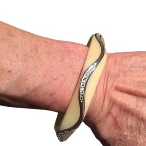 Miriam Salat MIRIAM SALAT WAVE BANGLE BRACELET
