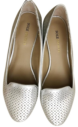 Preload https://item2.tradesy.com/images/sole-society-silver-laser-cut-loafers-flats-size-us-55-regular-m-b-21549156-0-3.jpg?width=440&height=440