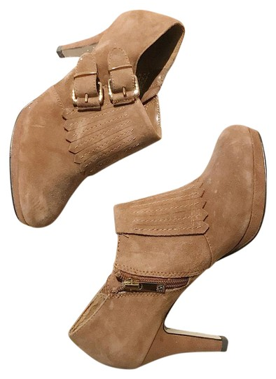 Preload https://item4.tradesy.com/images/anne-klein-caramel-suede-bootsbooties-size-us-6-regular-m-b-21549173-0-1.jpg?width=440&height=440
