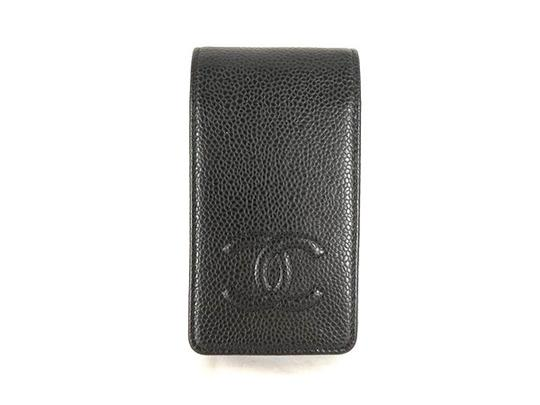 Preload https://item1.tradesy.com/images/chanel-black-noir-caviar-iphone-4s-case-218162-21549235-0-0.jpg?width=440&height=440