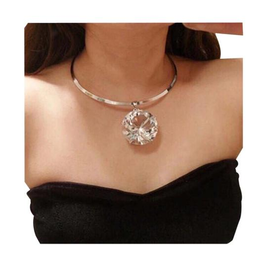 Preload https://item1.tradesy.com/images/gold-new-large-crystal-choker-necklace-21549280-0-1.jpg?width=440&height=440