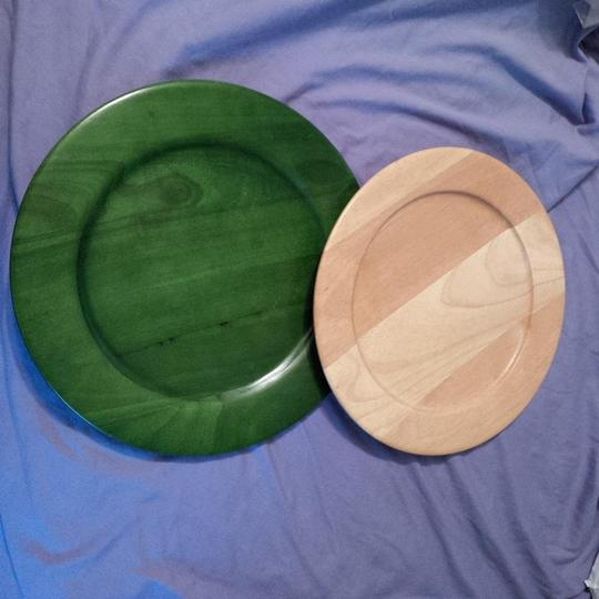 Green and Natural 2 Wood Serving Plates ~ Dessert Or Cupcake Table