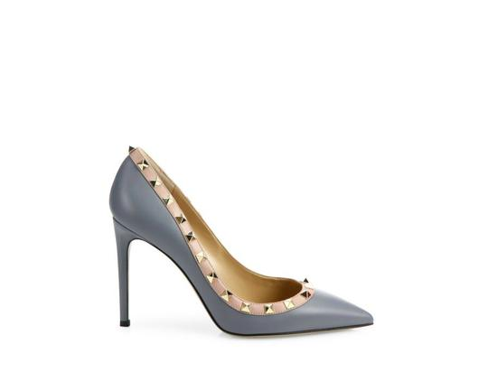 Preload https://item1.tradesy.com/images/valentino-stone-grey-blue-rockstud-leather-point-4010-pumps-size-us-10-regular-m-b-21549680-0-1.jpg?width=440&height=440