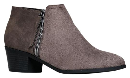 Preload https://item3.tradesy.com/images/j-adams-taupe-uzona-chelsea-bootsbooties-size-us-8-regular-m-b-21549692-0-1.jpg?width=440&height=440