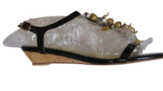 Preload https://item5.tradesy.com/images/rafe-black-with-gold-and-pearl-accents-vero-cuoio-sandals-size-us-85-regular-m-b-21550704-0-1.jpg?width=440&height=440