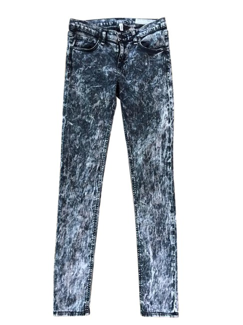 Preload https://item3.tradesy.com/images/rag-and-bone-black-acid-washed-skinny-jeans-size-26-2-xs-21551362-0-3.jpg?width=400&height=650