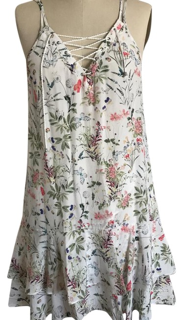 Item - Floral /White Mid-length Short Casual Dress Size 8 (M)