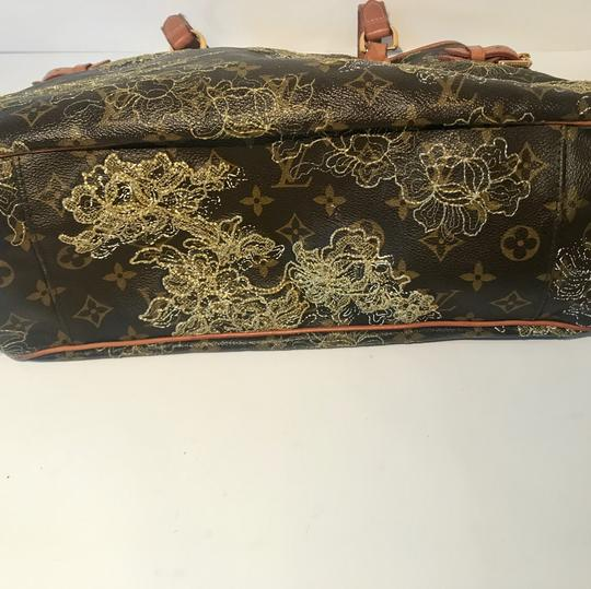 Louis Vuitton Tote in Caramel