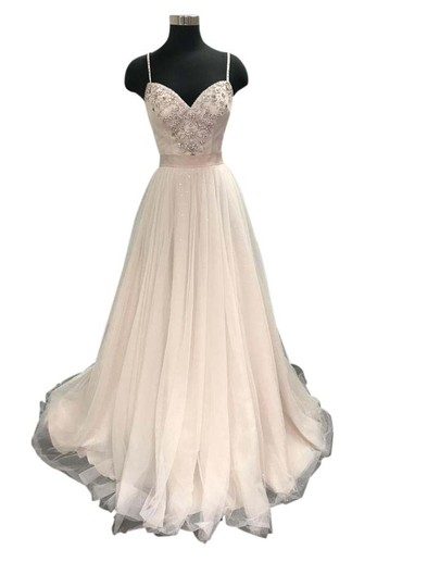 Essense of Australia Ivory/Moscato/Blossom Tulle D1733 Feminine Wedding Dress Size 8 (M)