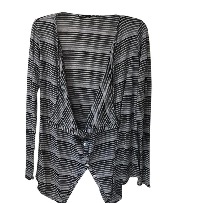 Preload https://item2.tradesy.com/images/lamade-black-and-grey-maternity-sweaterpullover-size-12-l-21552486-0-1.jpg?width=400&height=650