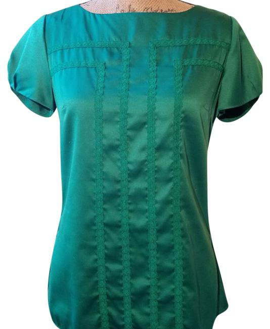 Preload https://img-static.tradesy.com/item/21552597/banana-republic-green-blouse-size-4-s-0-3-650-650.jpg