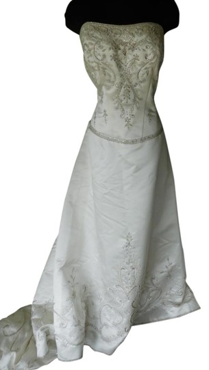 Preload https://item3.tradesy.com/images/casablanca-ivory-1906-wedding-dress-size-22-plus-2x-21552717-0-1.jpg?width=440&height=440