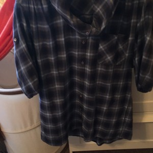 Vince Top Blue and black plaid
