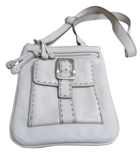 Preload https://item1.tradesy.com/images/cole-haan-leather-cross-body-bag-beige-2155290-0-0.jpg?width=440&height=440