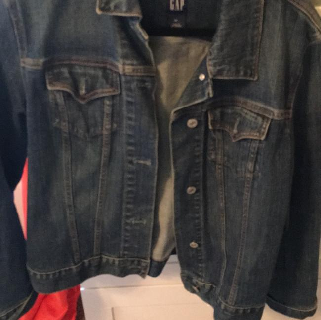 Preload https://img-static.tradesy.com/item/21553016/gap-denim-jacket-size-14-l-0-0-650-650.jpg