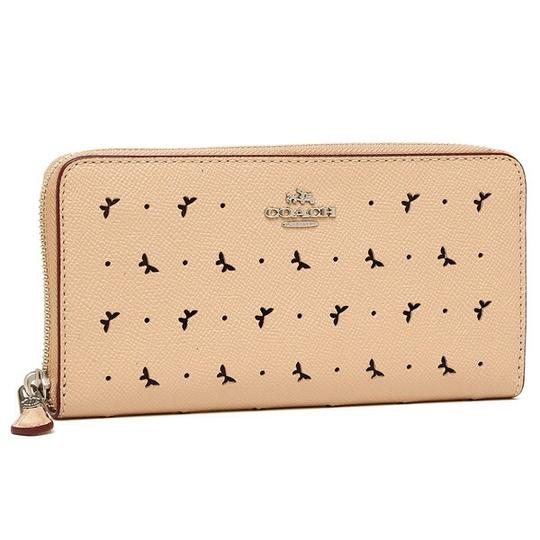 Preload https://item2.tradesy.com/images/coach-beechwood-perforated-butterfly-leather-accordion-wallet-21553121-0-3.jpg?width=440&height=440