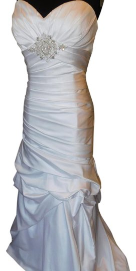 Preload https://img-static.tradesy.com/item/21553122/casablanca-whitesilver-2086-wedding-dress-size-12-l-0-1-540-540.jpg