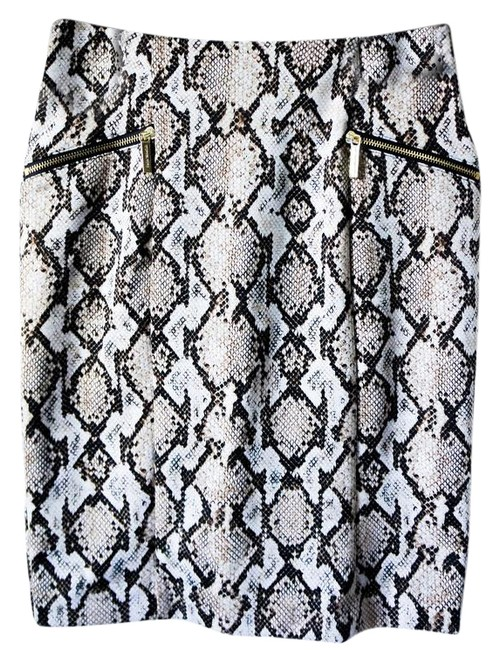 Preload https://item5.tradesy.com/images/marc-jacobs-sneake-print-tube-with-two-pockets-knee-length-skirt-size-4-s-27-21553159-0-1.jpg?width=400&height=650
