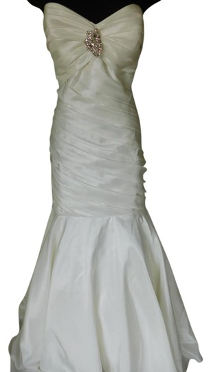 Preload https://img-static.tradesy.com/item/21553250/ivorysilver-18786-wedding-dress-size-18-xl-plus-0x-0-1-540-540.jpg