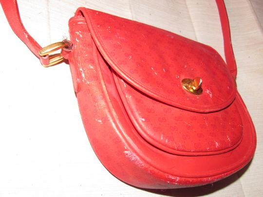 Gucci Shoulder/Cross Classic Style Petite But Roomy Great For Everyday Good Vintage Cross Body Bag