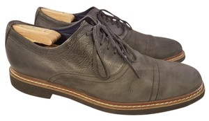 Cole Haan Black(Charcoal) Man with Nike Air Technology Captoe Oxfords Shoes
