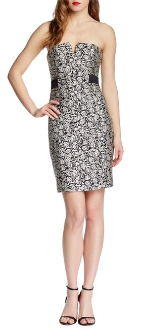 Preload https://item3.tradesy.com/images/halston-blackwhite-floral-embroidered-mid-length-cocktail-dress-size-6-s-21553872-0-1.jpg?width=400&height=650