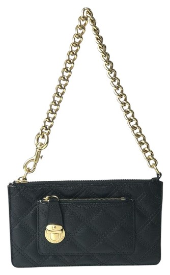 Preload https://img-static.tradesy.com/item/21554019/marc-jacobs-quilted-black-leather-wristlet-0-3-540-540.jpg