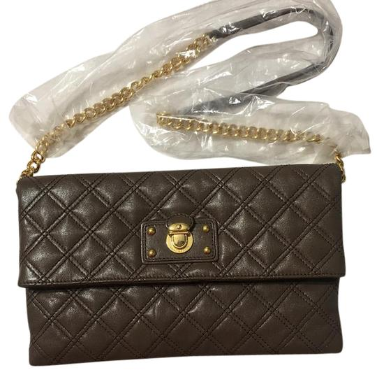 Preload https://img-static.tradesy.com/item/21554179/marc-jacobs-sandy-envelope-taupe-brass-quilted-leather-clutch-0-1-540-540.jpg