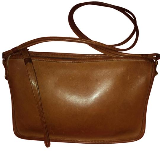Preload https://img-static.tradesy.com/item/21554259/coach-rare-bonnie-cashin-6441-brown-with-brass-hardware-gloved-tanned-cowhide-cross-body-bag-0-3-540-540.jpg