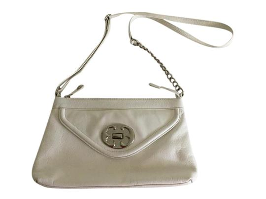 Preload https://img-static.tradesy.com/item/21554389/emma-fox-white-leather-cross-body-bag-0-1-540-540.jpg