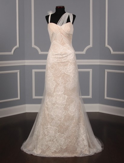Preload https://img-static.tradesy.com/item/21554491/vera-wang-ivory-and-nude-lining-silk-tulle-chantilly-lace-olympia-110515-formal-wedding-dress-size-6-0-3-540-540.jpg