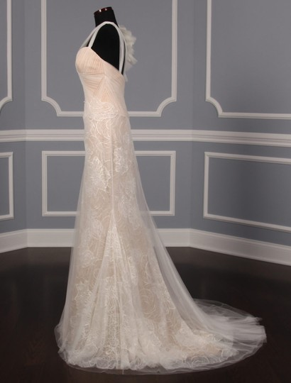Vera Wang Ivory and Nude Lining Silk Tulle Chantilly Lace Olympia 110515 Formal Wedding Dress Size 6 (S)