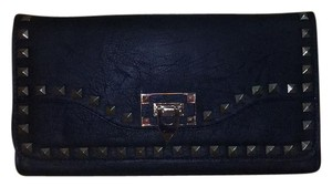 Urban Expressions Black Clutch
